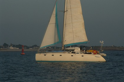 Rental Catamaran FOUNTAINE PAJOT VENEZIA 42 Lorient