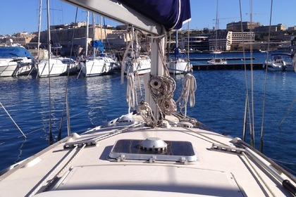 Hire Sailboat BENETEAU BENETEAU FIRST 30E Ta' Xbiex