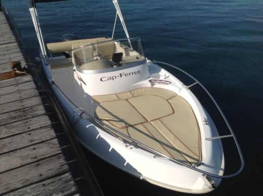 B2 MARINE Cap Ferret 552 Open in Cannes for hire