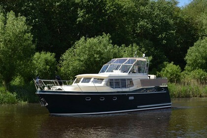 Charter Motorboat  Advantage 42 (3) Brandenburg