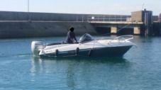 Rental motorboat in Arradon