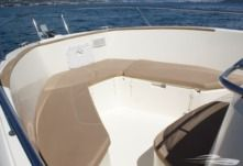 Motorboat Jeanneau 7.5 Cap Camarat for hire
