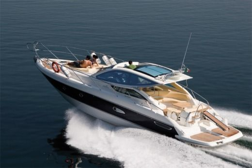 Motorboat Cranchi Ht43 Mediterranee for hire
