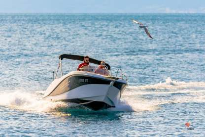Verhuur Motorboot Okiboats Barracuda 545 Split