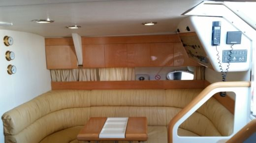 Motorboat CRANCHI 40 for hire