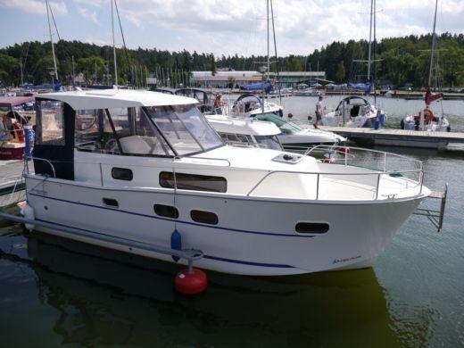 Аренда Nautika 830 Mc в Гижицко - Click&BoatЧастная аренда яхт с «Click&Boat»Частная аренда яхт с «Click&Boat»