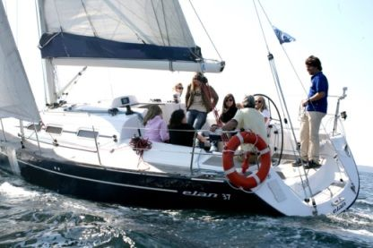 Rental Sailboat Elan Elan Performance 37 Vigo