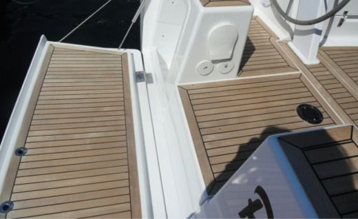 Sailboat Hanse Yachting Sailboat 385