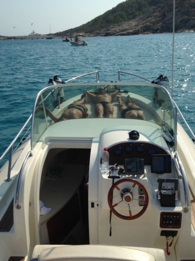 RIB Capelli Tempest 900 Wa for hire