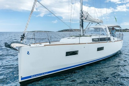 Hire Sailboat Beneteau Oceanis 38 Ayamonte