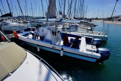 Charter Motorboat Buttcat Cat28 Lisbon