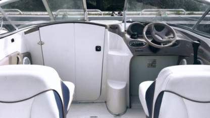 Rental Motorboat Bayliner 175 Hyères