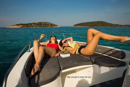 Charter Motorboat Thomas Boats Tempest 450 Chalkidiki