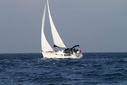Rental Sailboat Bavaria Cruiser 37 Bermeo