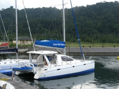 Rental Catamaran Leopard - Robertson & Caine 384 Leeward Islands