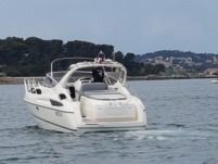 Charter motorboat in Toulon