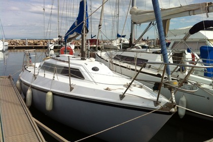 Rental Sailboat YACHTING FRANCE JOUET 27 Le Grau-du-Roi