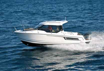 Charter Motorboat Jeanneau Merry Fisher 795 Split