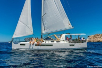 Hire Sailboat Jeanneau Sun Loft 47 monocat Saint Thomas