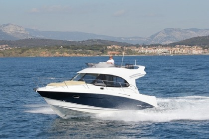 Charter Motorboat BENETEAU ANTARES 32 Cannigione