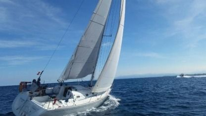 Rental Sailboat Beneteau First 31.7 Leucate