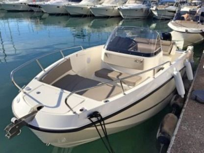 Rental Motorboat Quicksilver Activ 7,55 Open Verado St-Malo