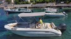 Motorboat Sessa Marine 22 for hire