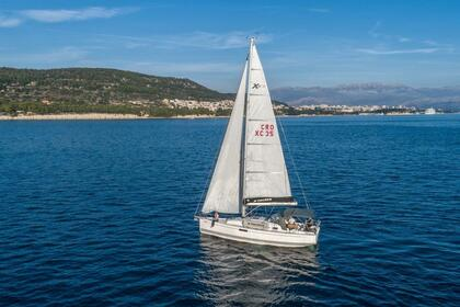 Hire Sailboat X-YACHTS Xc 35 Split