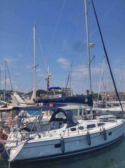 Charter Sailboat Hunter 36 Golfe Juan