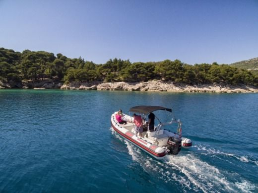Charter rIB in Dubrovnik peer-to-peer