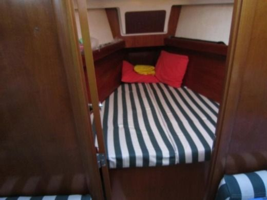 Sailboat BENETEAU Oceanis Clipper 361 for hire