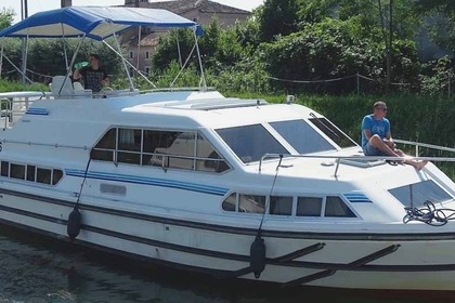 Hire Houseboat PENICHE CRUSADER Carrick-On-Shannon