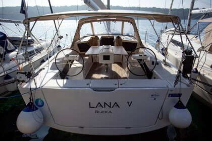 Charter Sailboat DUFOUR 430 Grand Large Lana V Pula