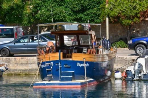 Motorboat Traitional Croatian Boat Leut for hire