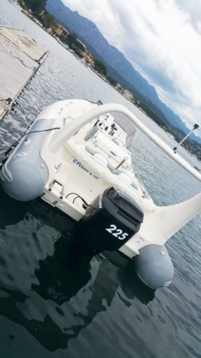 RIB Zodiac Medline III peer-to-peer