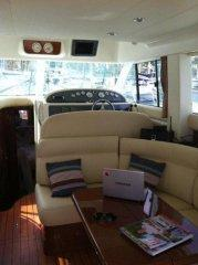 Motorboat Jeanneau Prestige 36 Fly for hire