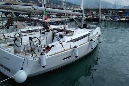 Rental Sailboat JEANNEAU SUN ODYSSEY 419 Salerno
