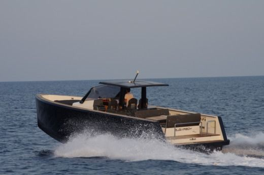 Fjord 40 Open in Saint-Tropez for hire