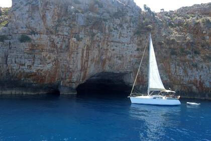 Rental Sailboat JEANNEAU SUN ODYSSEY 32.2 Chania