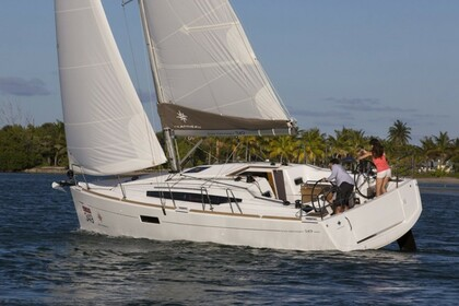 Hire Sailboat Jeanneau Sun Odyssey 349 Saint Thomas