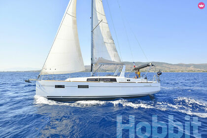 Hire Sailboat BENETEAU OCEANIS 35 Kos
