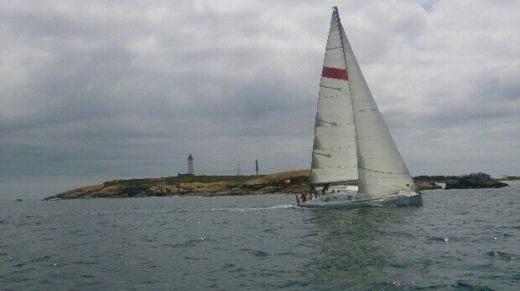 Charter sailboat in Loctudy peer-to-peer
