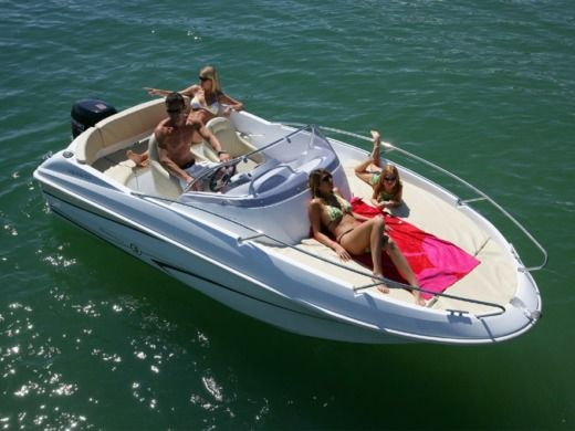 Motorboat Beneteau Flyer 550 for rental