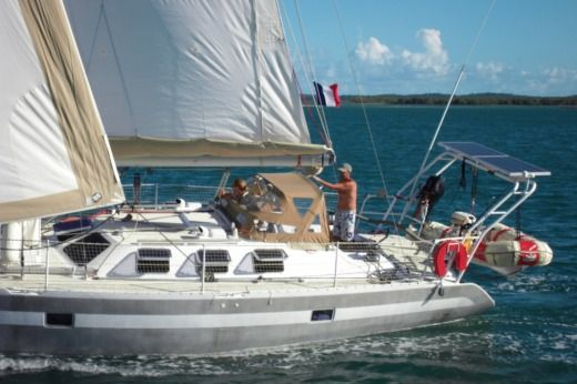 Sailboat Garcia Yachting Maracuja 40 Pieds for hire