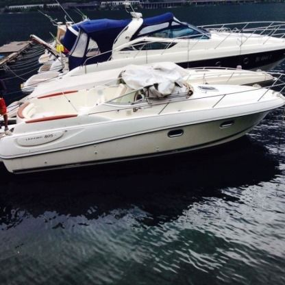Rental Motorboat Jeanneau Leader 805 Lecco