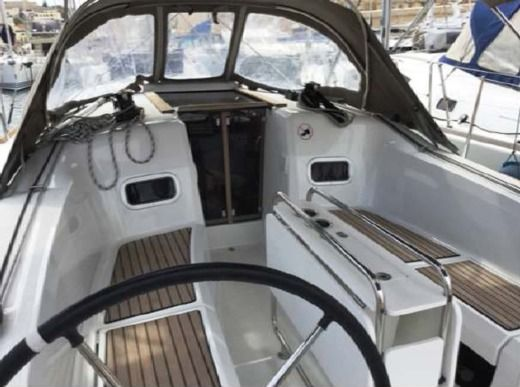Sailboat Jeanneau Sun Odyssey 349 for hire
