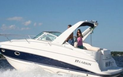 Rental Motorboat Larson Cabrio Boston