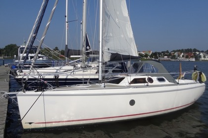 Hire Sailboat ETAP 32 S Rogliano