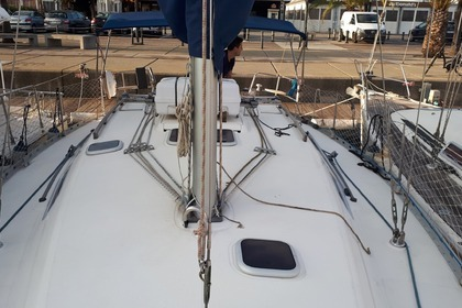 Hire Sailboat DUFOUR 36 Classic Barcelona