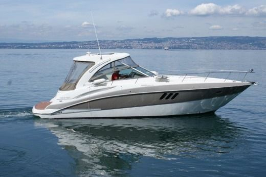 RINKER CRUISER EXPRESS 360 in Évian-les-Bains for hire